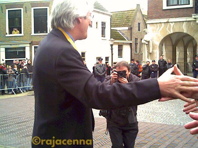 Richard Gere shaking hands
